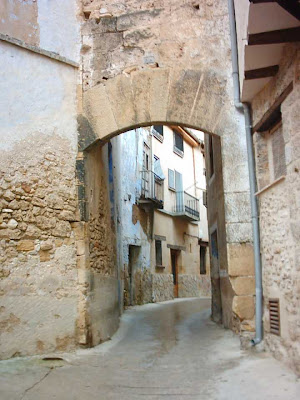 Calle llana, portal de Carrau