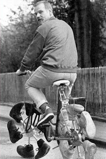 Mungkin ini yang dinamakan sepeda roda-sepatu
