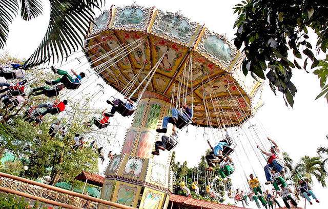 Flying Fiesta at Enchanted Kingdom