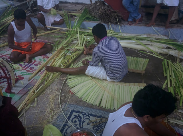 Preparing the Ani at Bhuta Kola