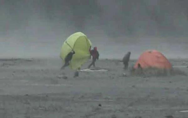 badai pasir gunung bromo foto jpgpojokpitu