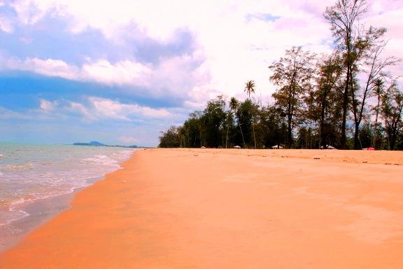 Pantai Bisikan Bayu Kelantan Tempat menarik di kelantan waktu siang