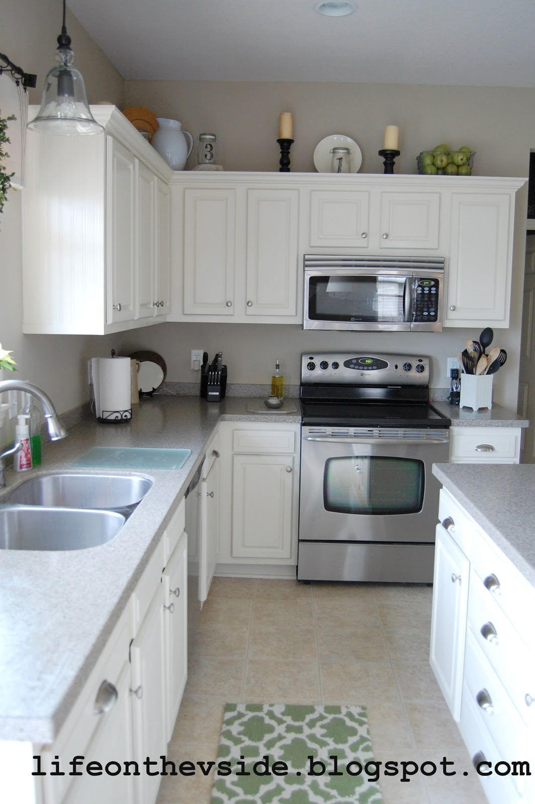 painting kitchen cabinets before after on the v side kitchen before amp after painted kitchen 7332