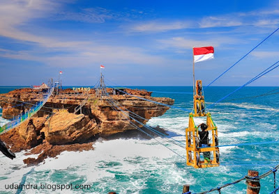 Foto Pantai Timang Jogja