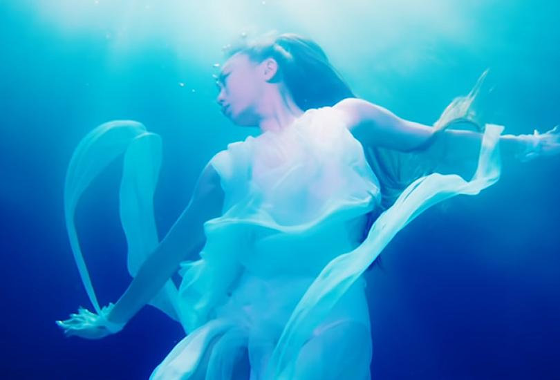 "Kumi Koda releases the wig-wetting, socially-distant visual for her piano ballad ""Run""   Random J Pop"