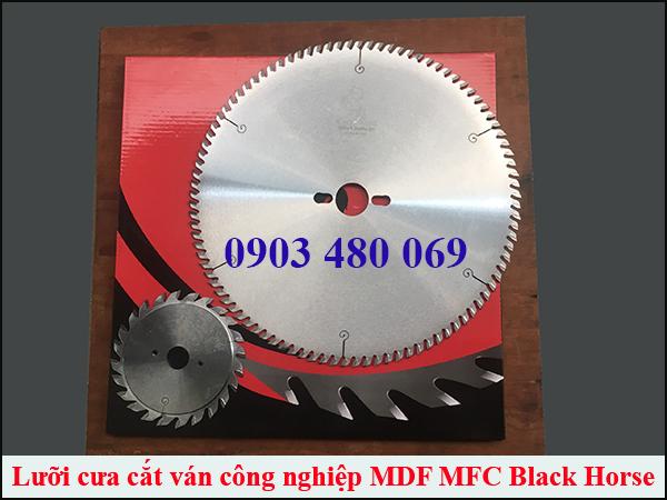 Bo-luoi-cat-van-cong-nghiep-may-cua-ban-truot-Black-horse-300x96T