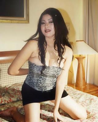 Rizky Pritasari model seksi jadul