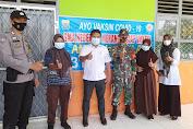 Babinsa Dampingi Anak Pelajar SMA Dan Masyarakat Dapatkan Suntik Vaksin Covid -19