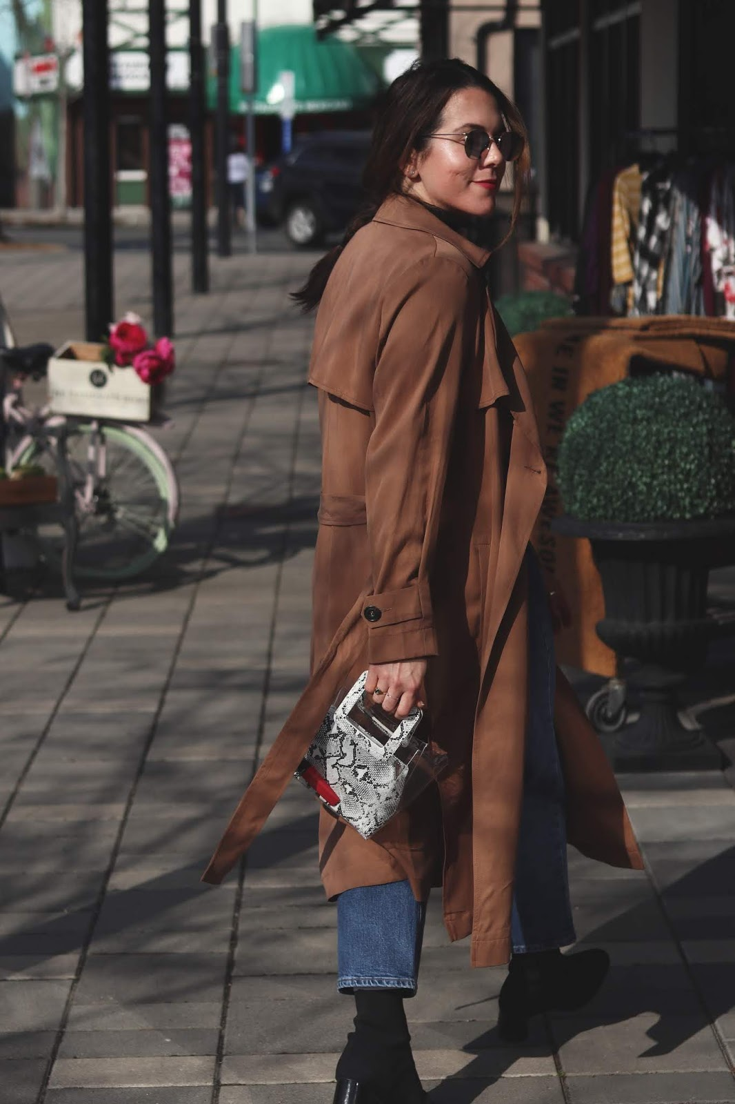 Le Chateau trench coat spring outfit idea levi's ribcage jeans bailey nelson sunglasses vancouver blogger