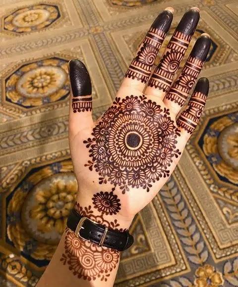 Latest_mehndi_design_for_karwa_chauth_in_2020