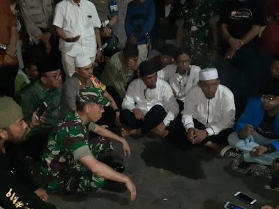Dandim dan Kapolrestabes Medan Ajak Pendemo Berdialog