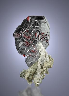 hermoso criatal de oligisto (hematite)
