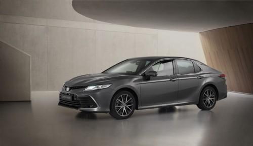 toyota-camry-hybrid-2020-frontal-3-4