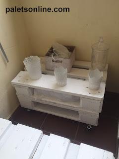 mesa auxiliar palets blancos Paletsonline.com