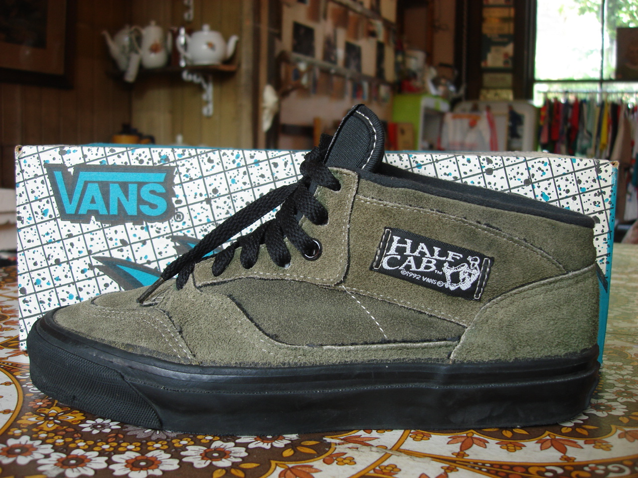 e593b34d33734e theothersideofthepillow  vintage VANS forest green suede style  33 ...