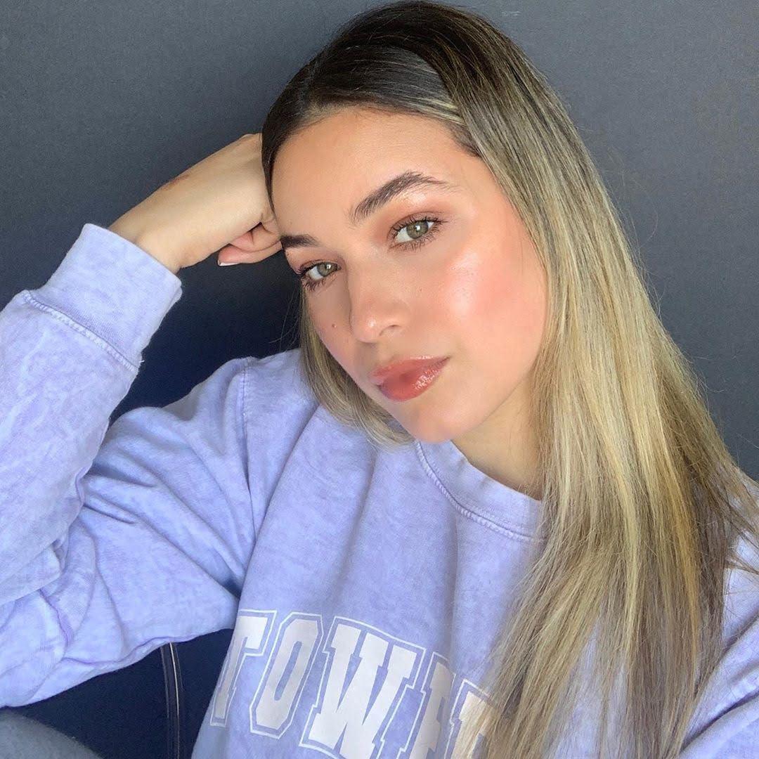 Paulina Char  biography