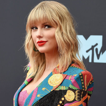 Taylor Swift's triumphant return to MTV VMAs in photos