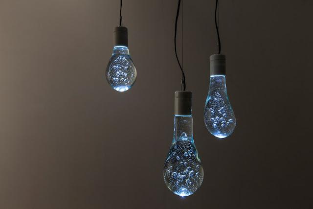 気泡が美しい光を作り出す照明!まるで水のような照明??【a】