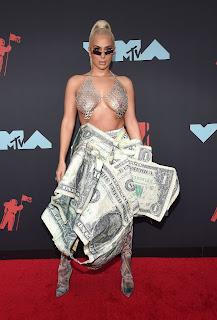 Veronica-Vega-showed-off-her-tits-at-the-2019-MTV-Music-Awards-in-New-Jersey.-e7fcn72yeg.jpg