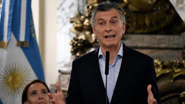Macri elimina 10 ministerios para hacer frente a crisis económica