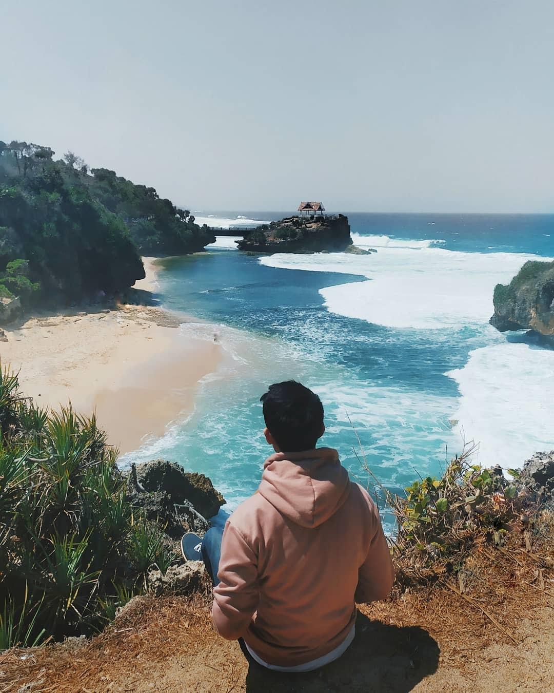 Lokasi Pantai Ngrawe Gunung Kidul