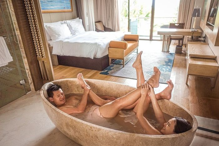 Shandy Aulia Pamer Foto saat Sedang Mandi Bareng Suami di Bath Up. IG Shandy Aulia