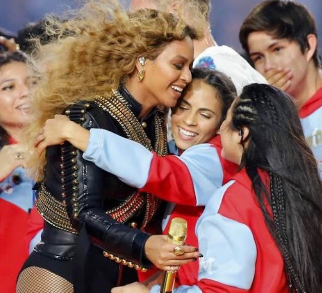 Beyonce with fans