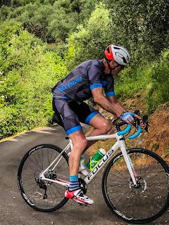 carbon road bike rental in Camaiore
