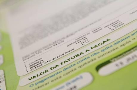 Governo publica isenção de conta de luz para consumidor pobre
