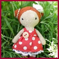 Mini muñequita amigurumi