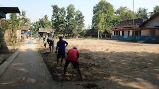 Pembangunan infrastruktur mandiri Kampung KB Gumulan
