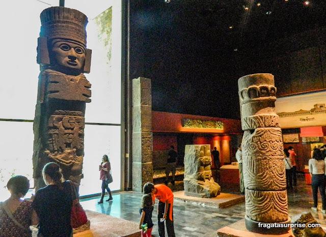 Atlantes, representação de guerreiros Toltecas, Museu Nacional de Antropologia do México