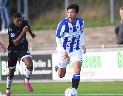 Đoàn Văn Hậu đã chơi trọn 90 phút cho đội hình trẻ của SC Heerenveen tại vòng 5 (ngày 30-9-2019) giải đấu dành cho đội dự bị.