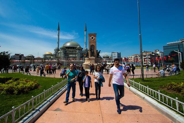Piazza Taksim (Taksim Meydani)-Istanbul