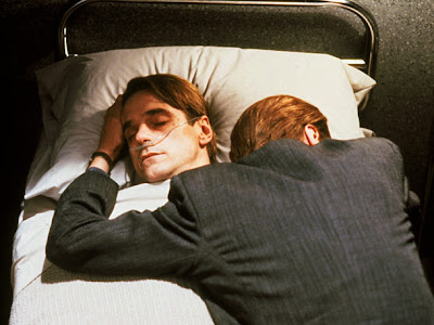 Jeremy Irons in the double role of Mantle brothers in Dead Ringers, Directed by David Cronenberg