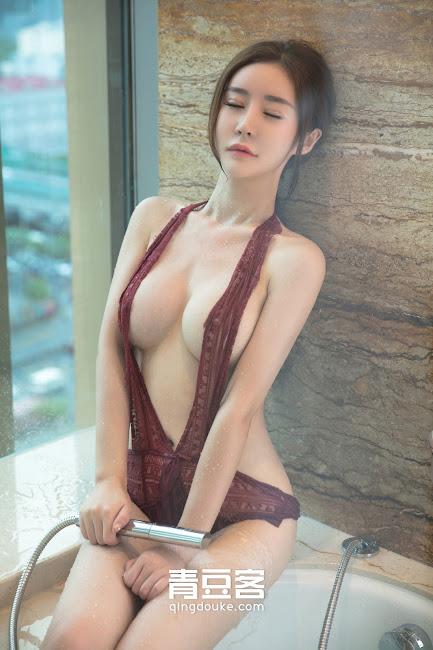 Tong Man Ngực Ngon Hấp Dẫn, Ngắm Là Phê