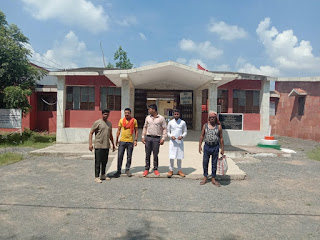भारतीय मनाव् कल्याण महासमिति के सभी कार्यकर्ताओ ने गरीबो को भोजन और नास्ता बटा