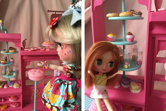 TBL e Petite Blythe com a confeitaria da Barbie