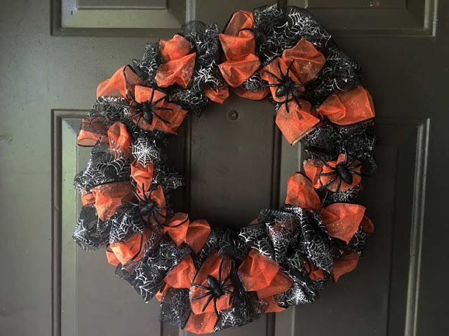 dollar tree halloween wreath