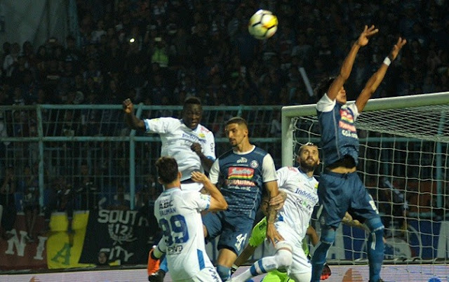 Video Cuplikan Gol Persib 2-2 Arema FC | Pekan 4 Gojek Traveloka Liga 1 2018