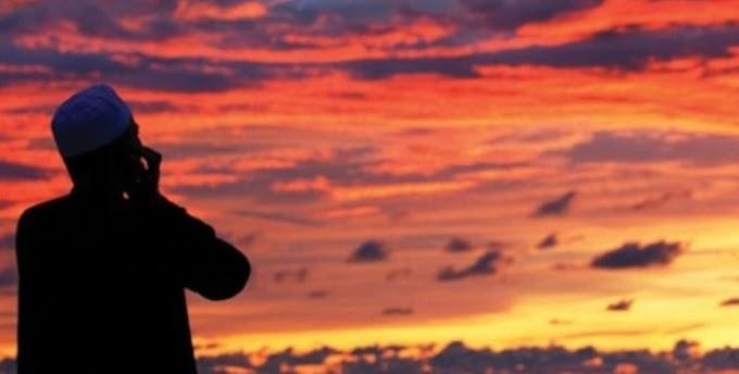 Vakit girmeden önce namaz için ezan okunur mu? Okunursa ne yapılır?