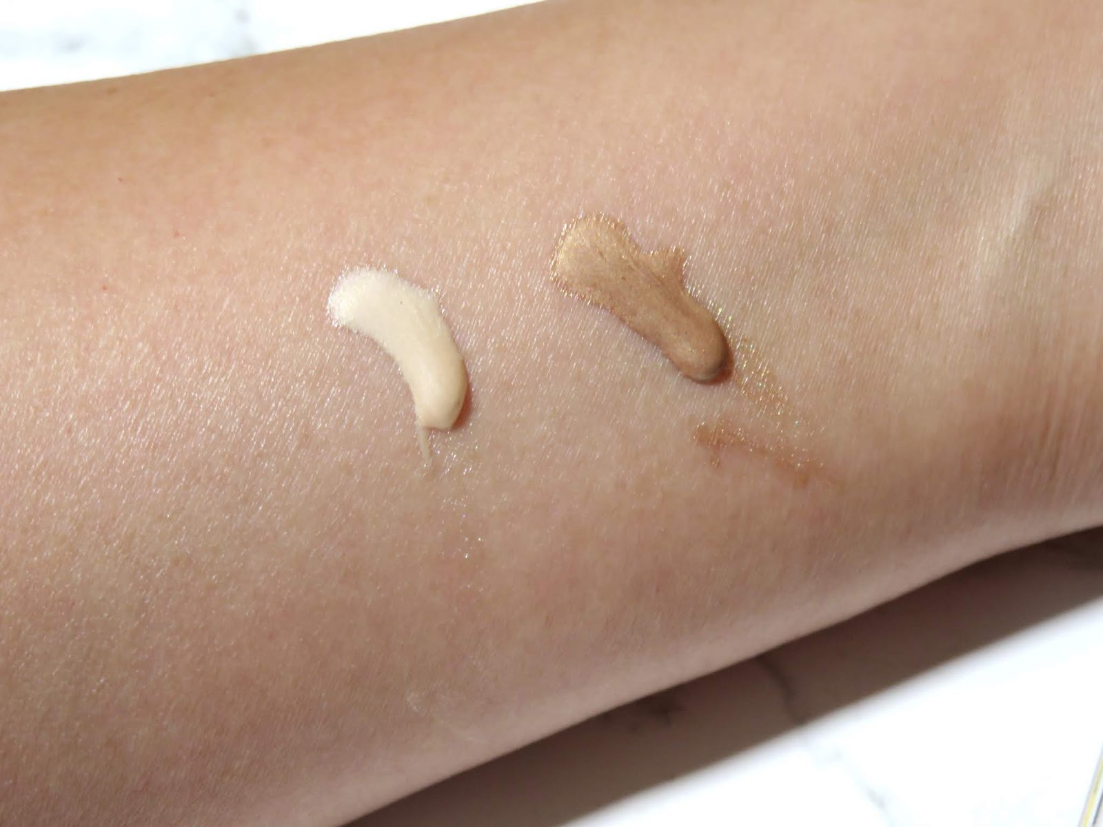 Chanel LES BEIGES Sheer Healthy Glow Highlighting Fluid Swatches
