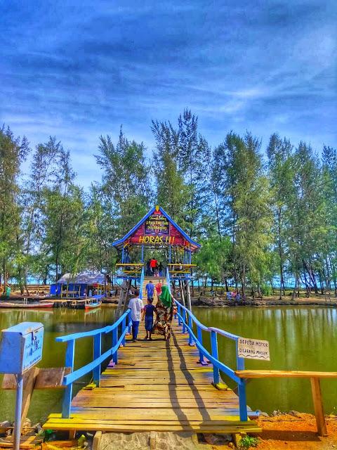 Jembatan Biru Desa Barangbang Tapanuli Tengah