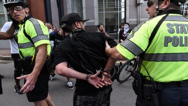 Al menos 27 detenidos en manifestaciones en Boston, EE.UU.
