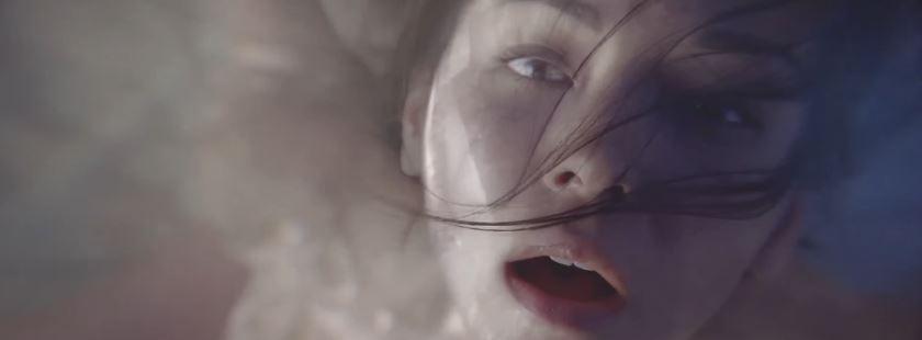 Modella Versace pubblicità Bright crystal con Foto - Testimonial Spot Pubblicitario Versace 2016