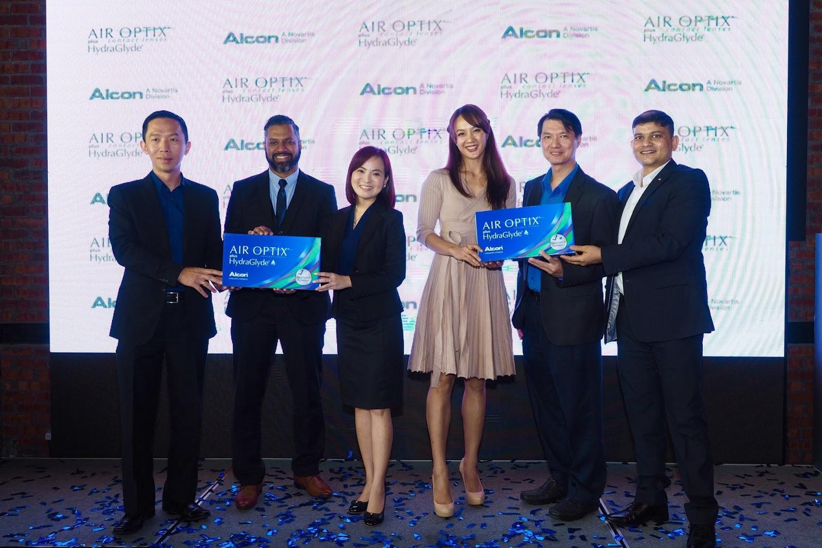 Alcon Air Optix Plus Hydraglyde Launch