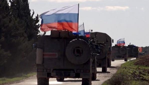 Le truppe statunitensi e russe si scontrano di nuovo sui campi petroliferi in Siria