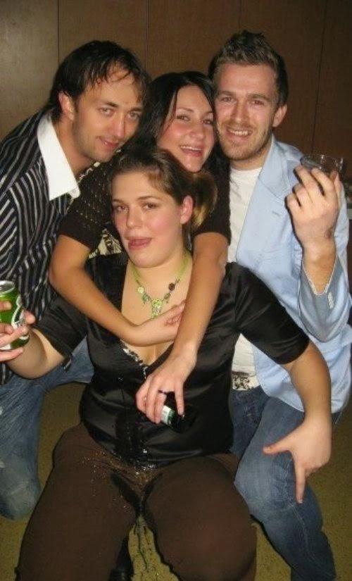 Beroemd De beste verzameling van grappige foto's: dronken hoofd piesbak #ER84