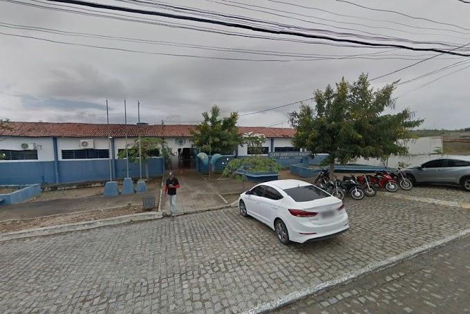 Sem licitação, Prefeitura de Aroeiras gasta quase R$ 300 mil na compra 7 mil livros sobre o coronavírus