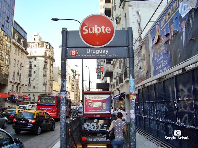 Entrada do Metrô de Buenos Aires (Subte - Estacion Uruguay)